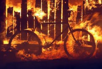 Bicicletta in fiamme